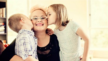 "<div class=""field-field_file_image_alt_text-wrapper"">Kristy Vallely, with her children Maya and Texas</div>"